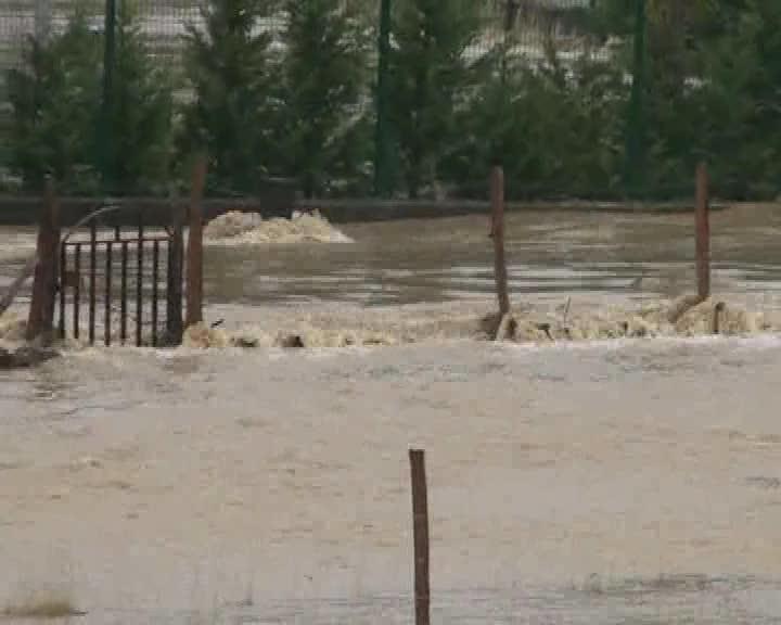 Las fuertes lluvias han provocado inundaciones en Lezama